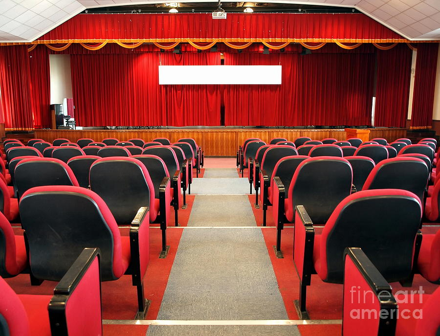modern-auditorium-with-red-curtains-yali-shi